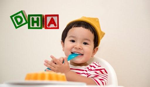 Bổ sung DHA cho trẻ sơ sinh bao nhiêu là đủ?